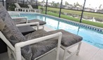 Stunning lake view Villa with own pool. 4 Bed on gated Resort near Disney